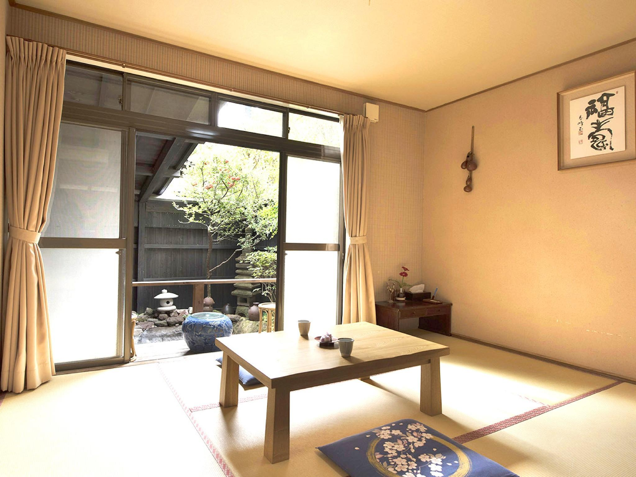 独立房(和式房+源泉放流式露天风吕) (Detached Japanese-style Room with Open-air Hot Spring Bath)