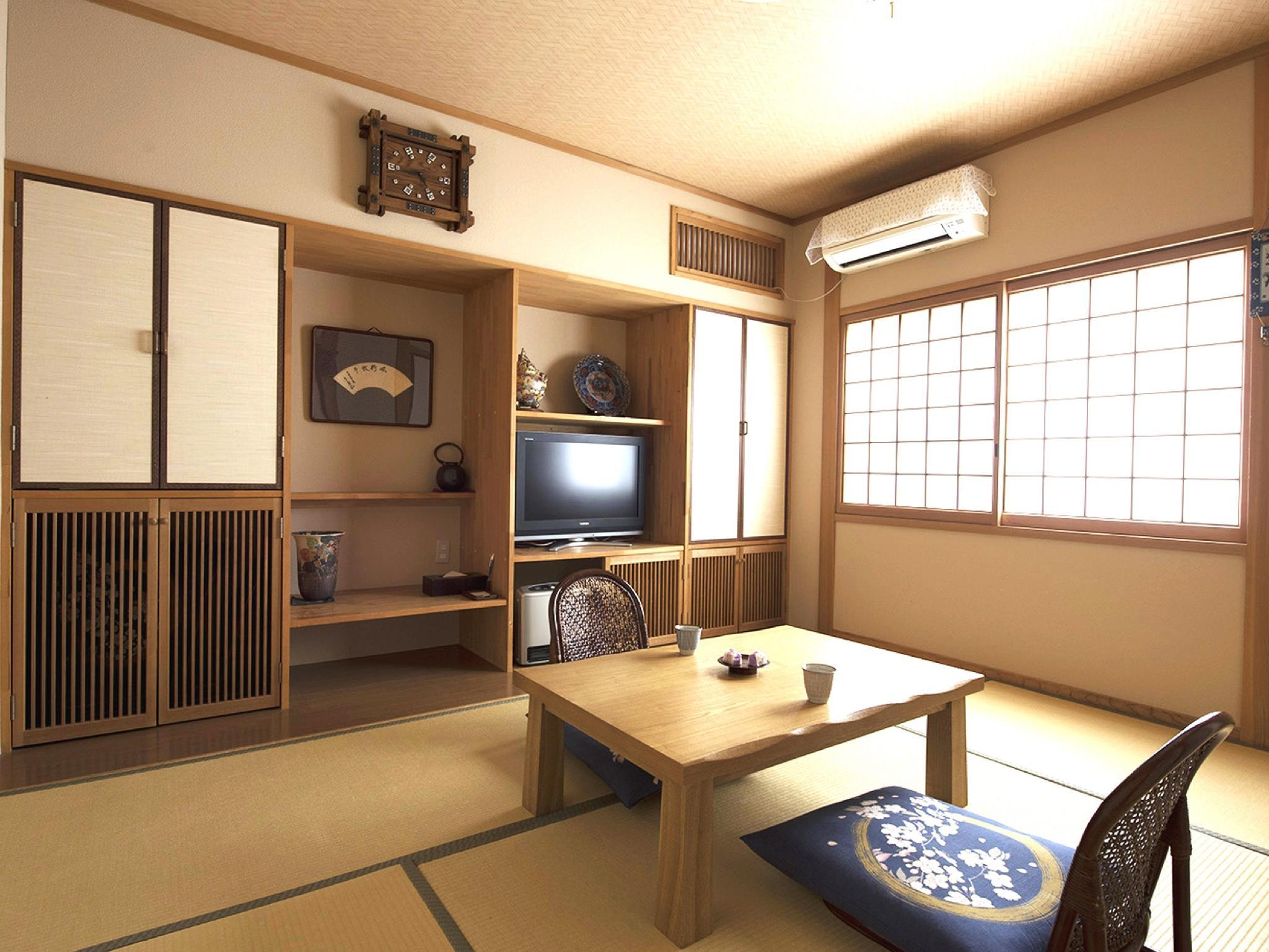 Detached 1-Story Japanese/Western-style Room with Open-air Bath