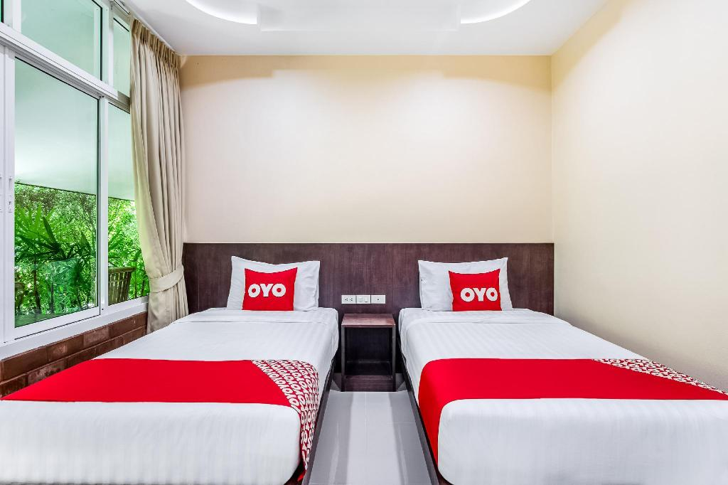 Standard Twin Room - Bed OYO 451 Samran Resort