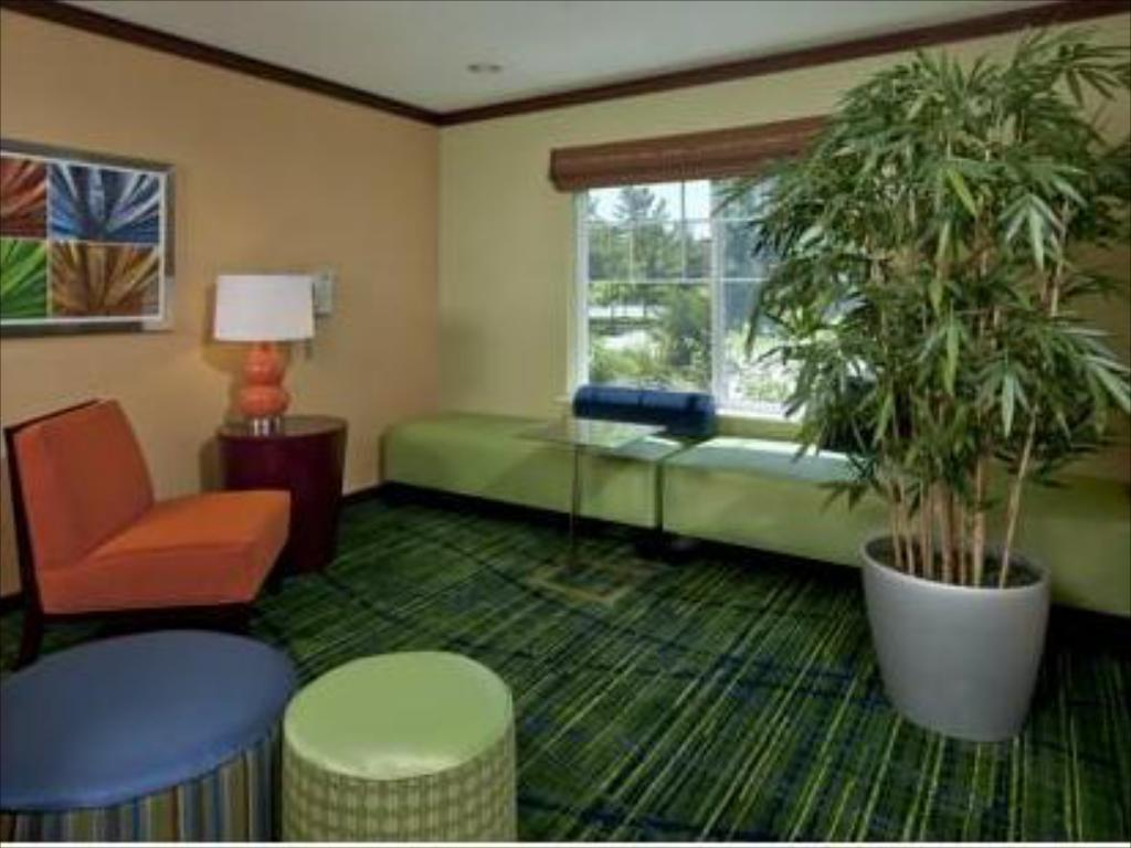 Interiér Fairfield Inn & Suites Brunswick Freeport