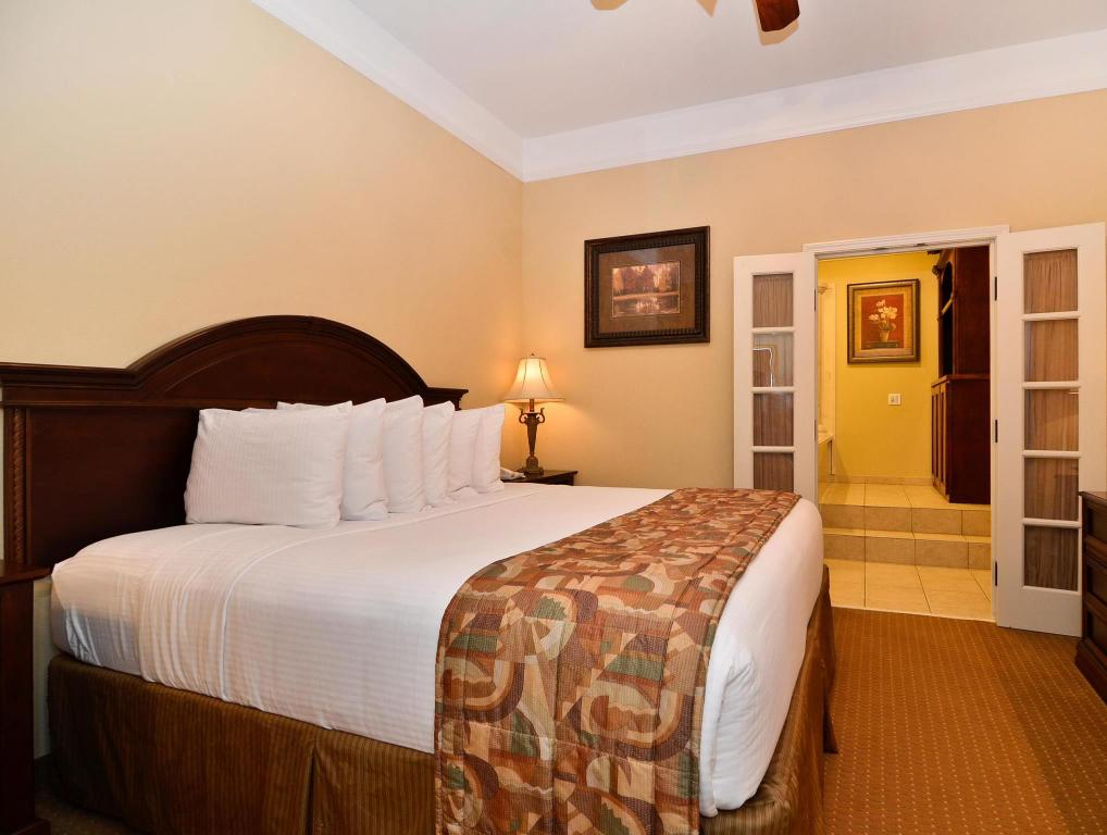 See all 37 photos Best Western Plus Monica Royale Inn and Suites