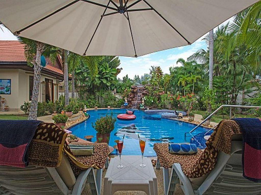 Pool Relaxing Palms Pool Villa B-3 Bed