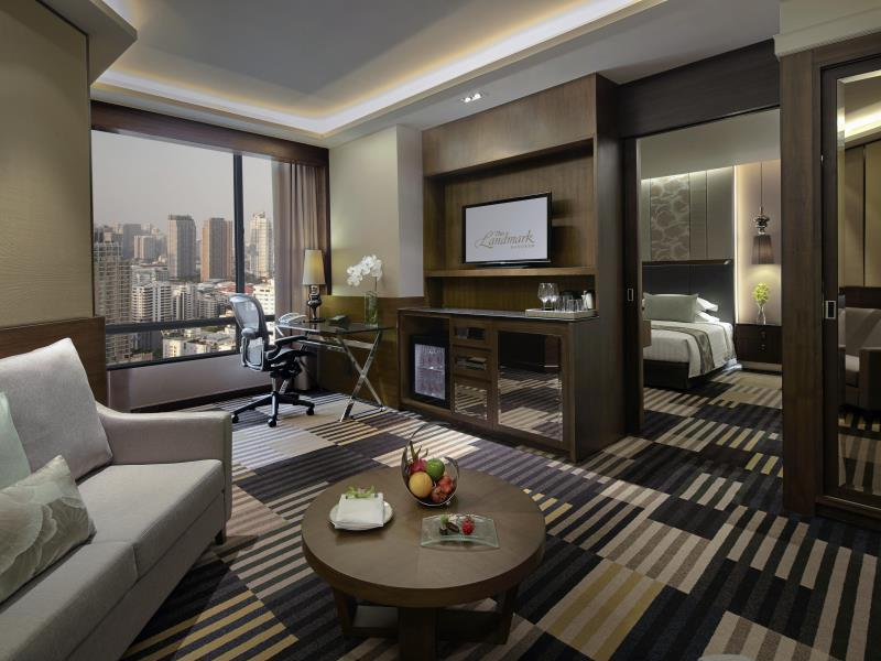 Premium Club Deluxe Suite Room