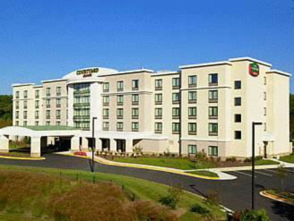 Best Price on Courtyard Fort Meade BWI Business District in Jessup