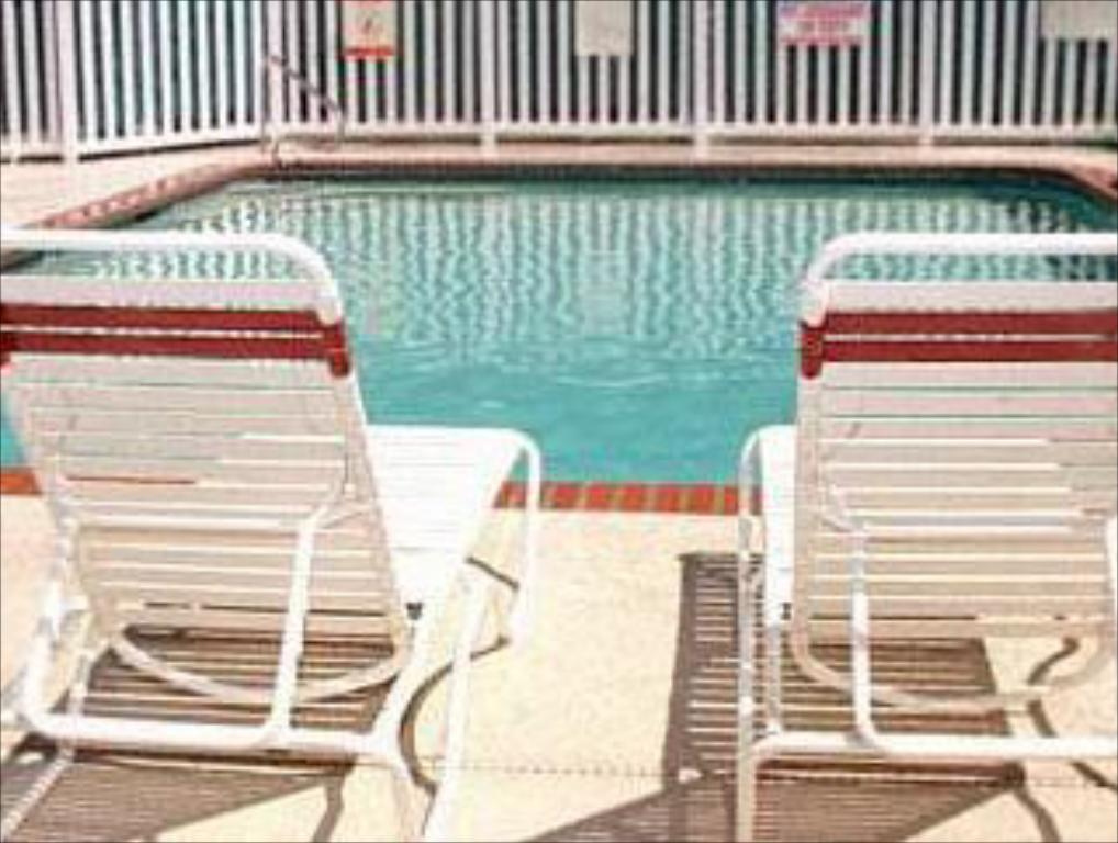Swimming pool Residence Inn Seattle North/Lynnwood Everett