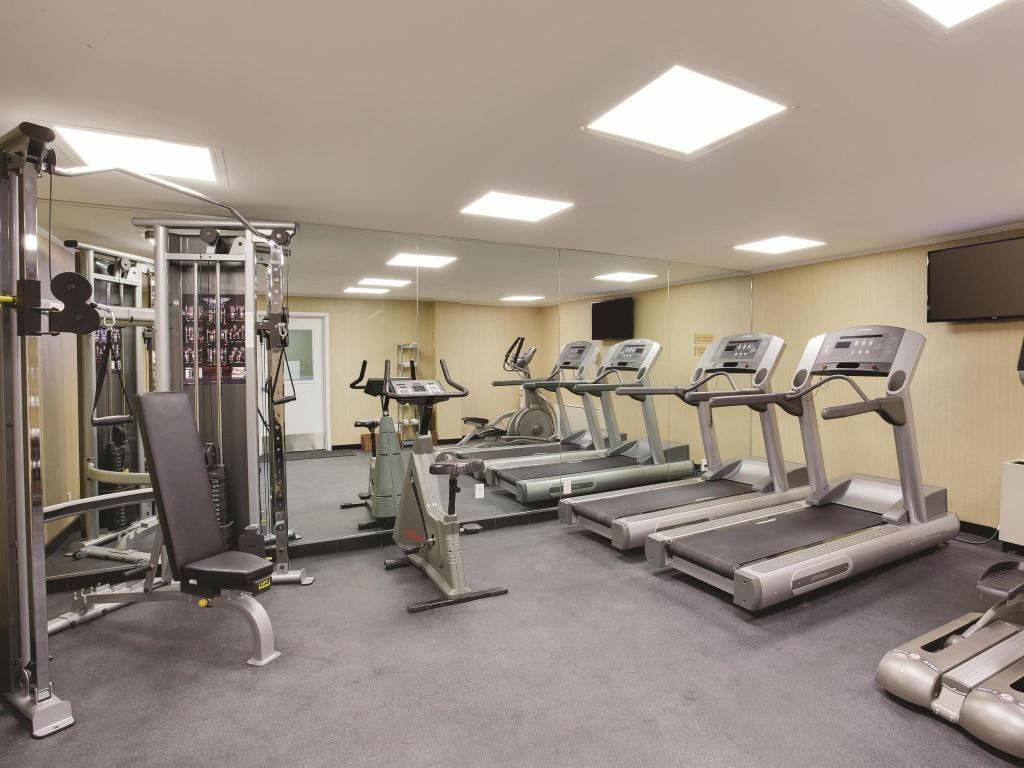 Fitness center La Quinta Inn & Suites Manhattan