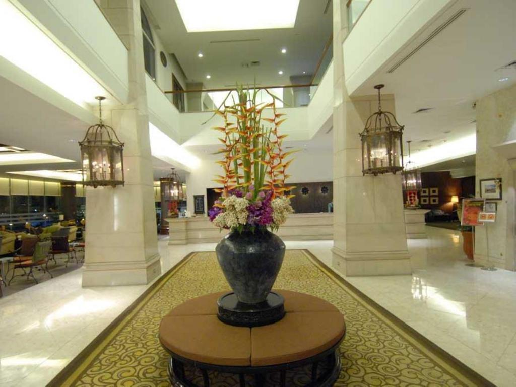 Lobi The Imperial Mae Ping Hotel