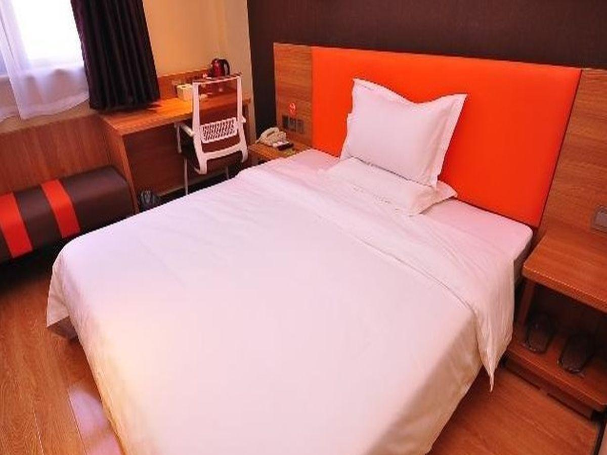 Kamar dengan Ranjang Queen (Room with Queen Bed)