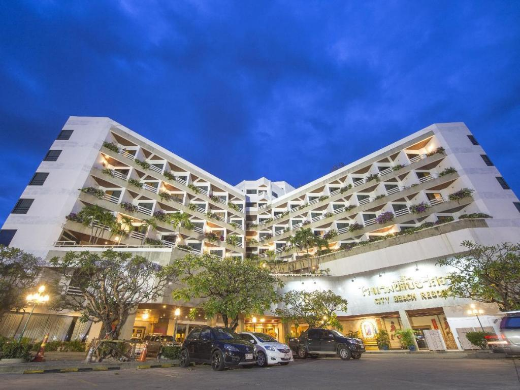 City Beach Resort in Hua Hin / Cha-am - Room Deals, Photos & Reviews