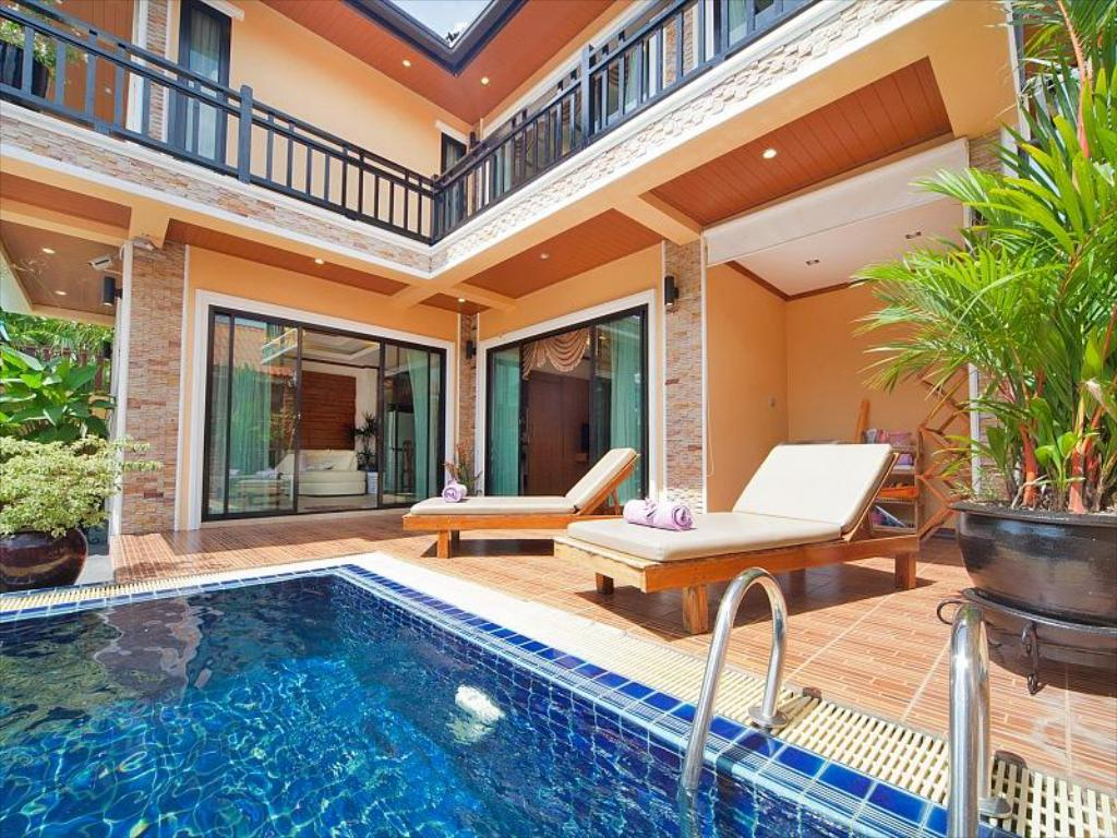 Swimming pool Bangtao Tara Villa Two