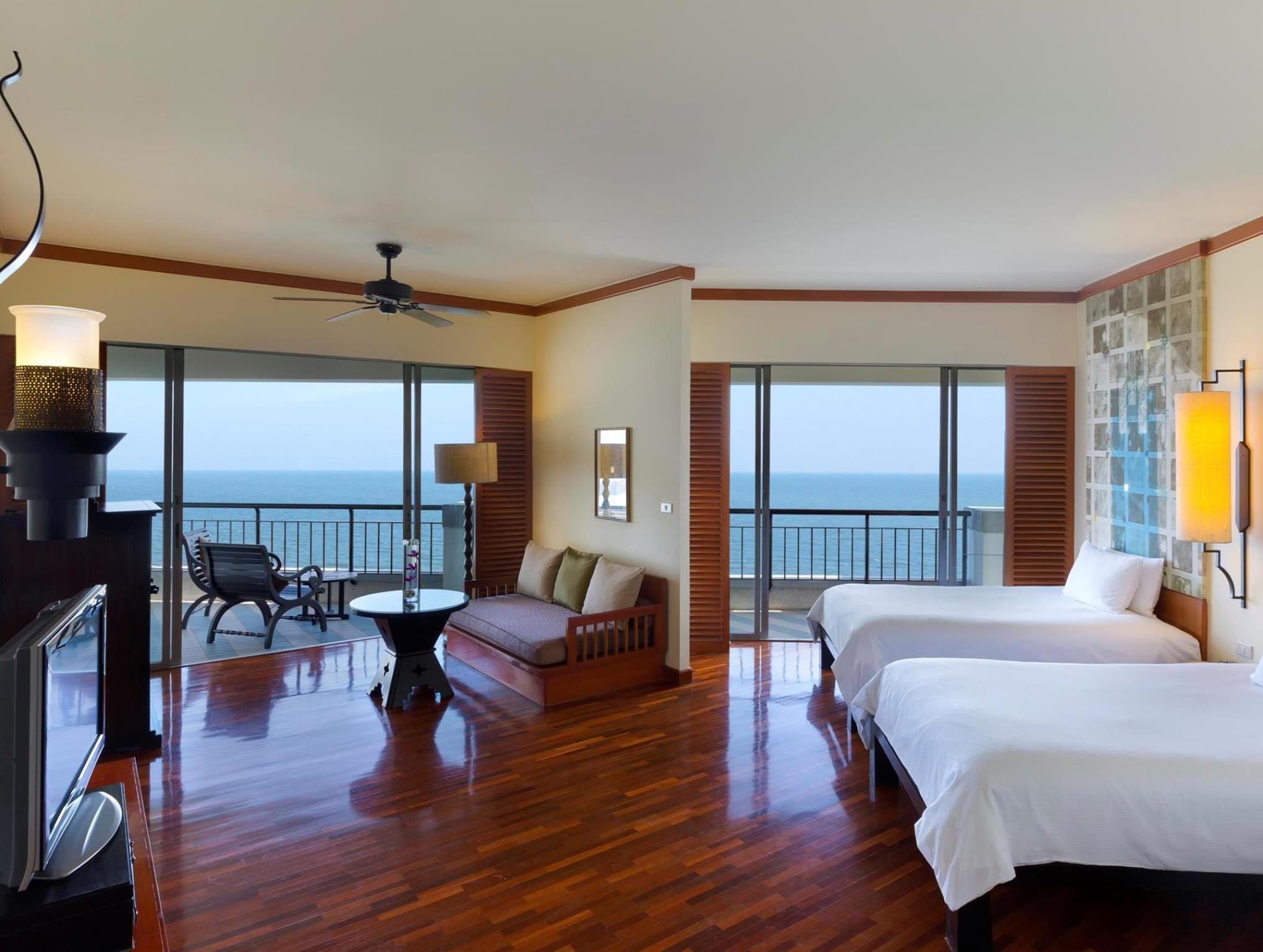 2 - Double Ocean Junior Suite