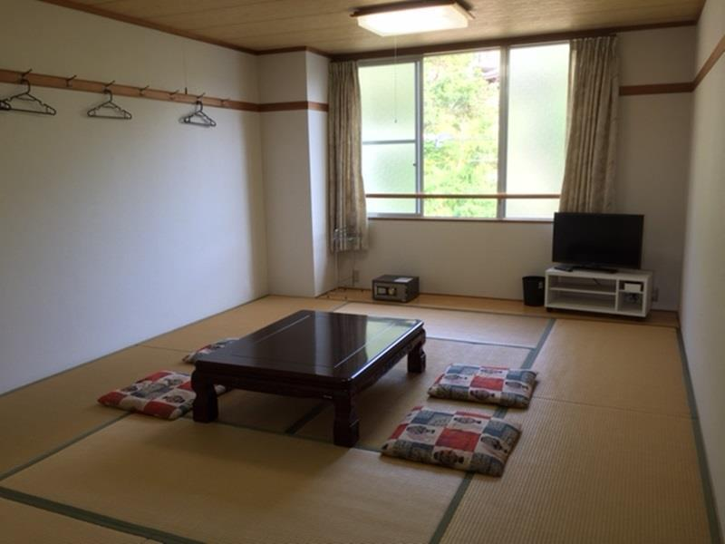 Japanese Style - 5 Person (18Sqm)