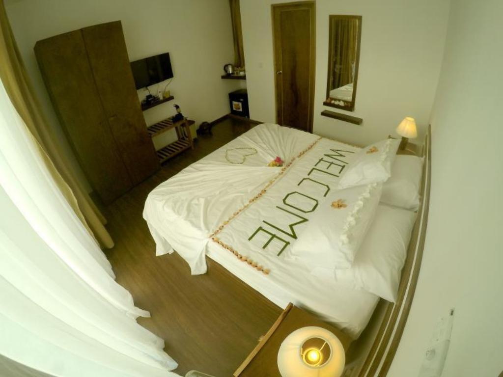 Deluxe Double Room - Bed Dhiffushi White Sand Beach Hotel