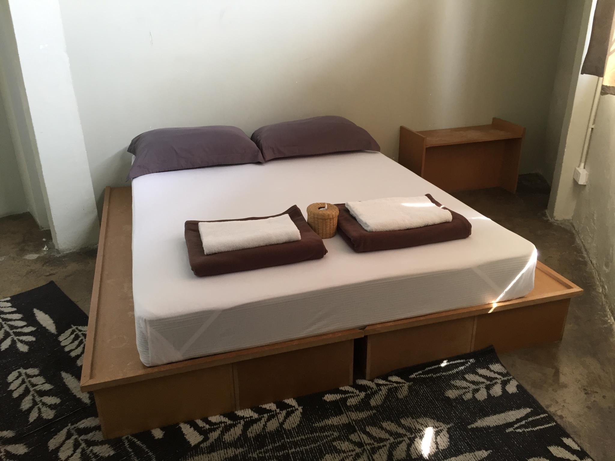 Llit doble amb bany privat (Double Bed with Private Bathroom)