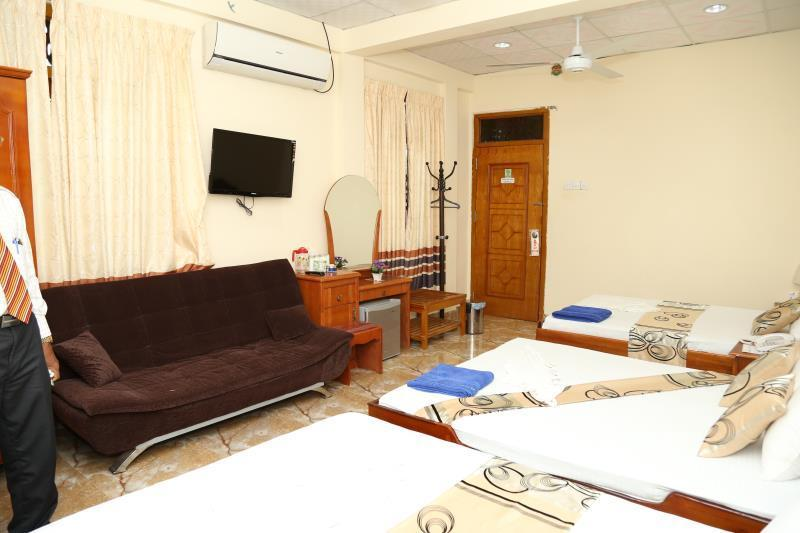 Kamar Keluarga Luxury dengan AC (Luxary Family Room with Air Conditioning)