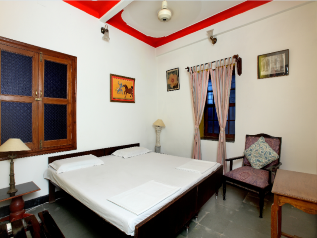 Standard Room Non-Air Conditioning - Guestroom Rangniwas Palace Hotel
