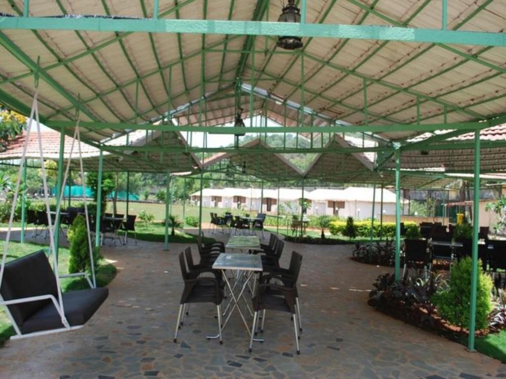Καφετέρια Whispering Woods Resort-Lonavala