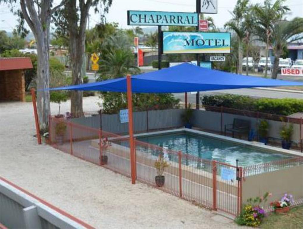 Swimming pool Chaparral Motel