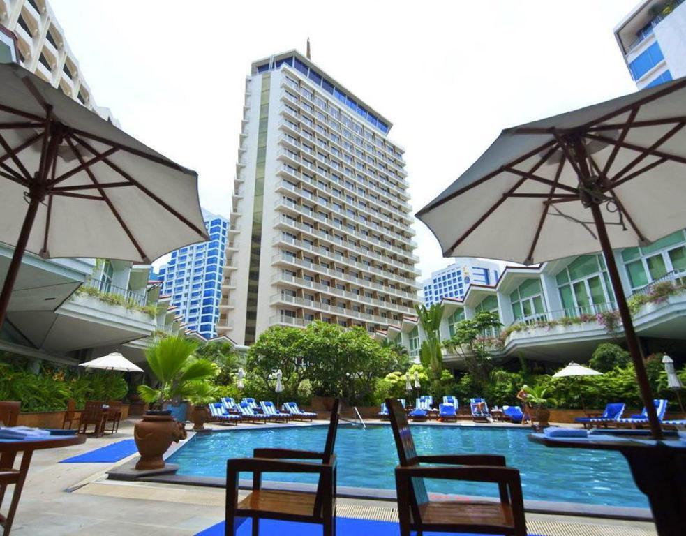 Dusit Thani Bangkok Hotel In Thailand Room Deals Photos Reviews