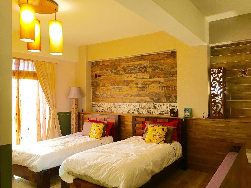 Twin Room - Bed Home and Teak Homestay