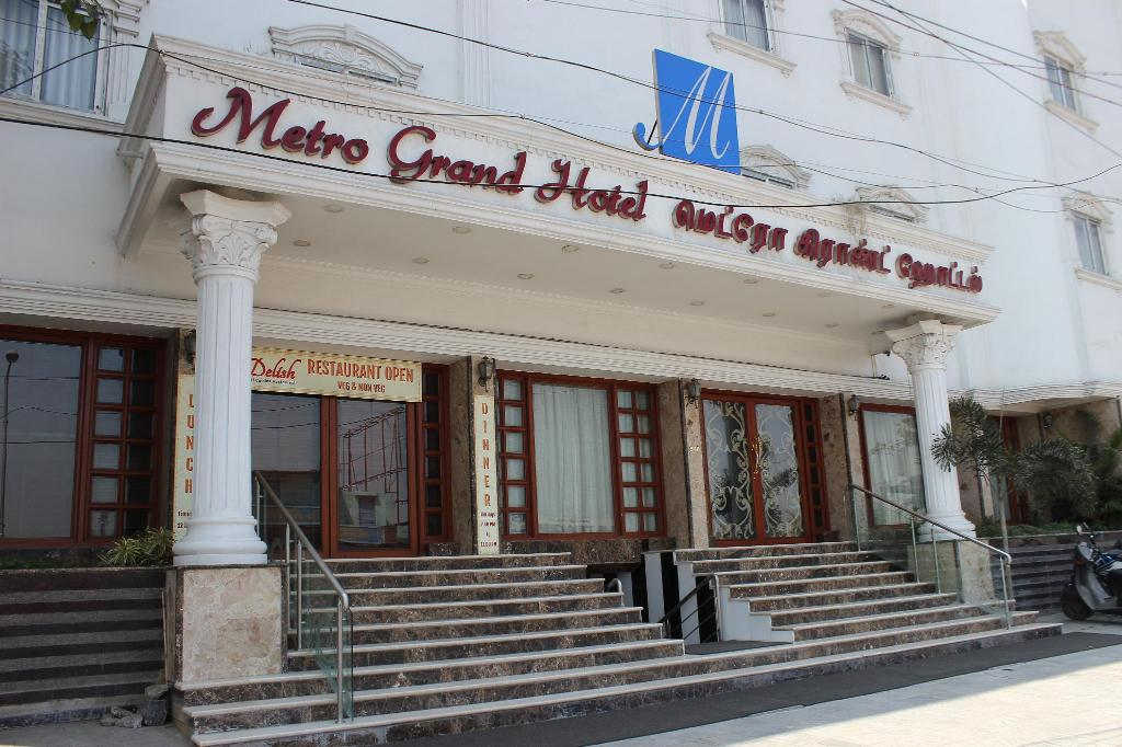 More about Metro Grand Hotel