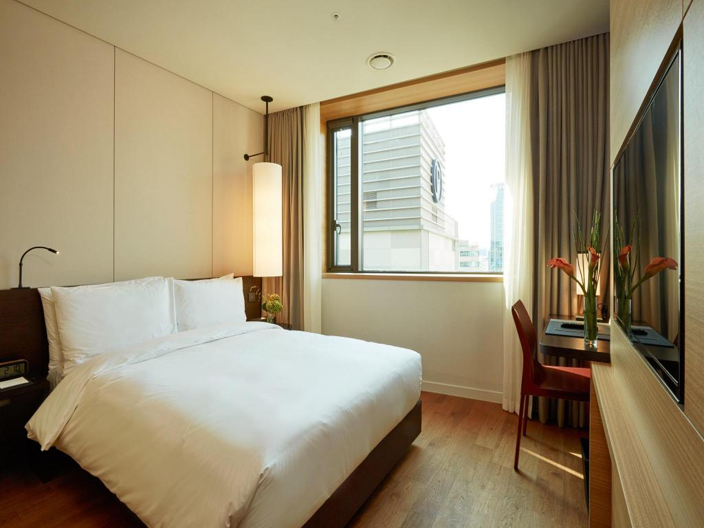 Standard Double - Bed Crown Park Hotel Myeongdong Seoul