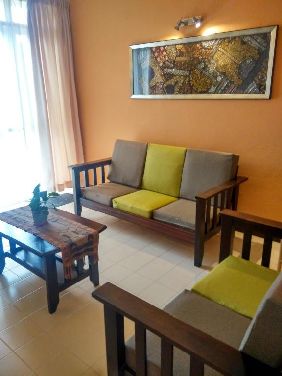 Tampilan interior Clean and Comfy Apartment Near Beach
