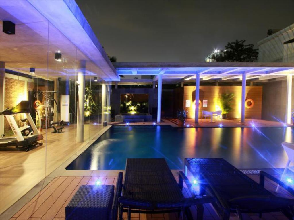 Swimming pool [outdoor] Ra Premiere Simatupang