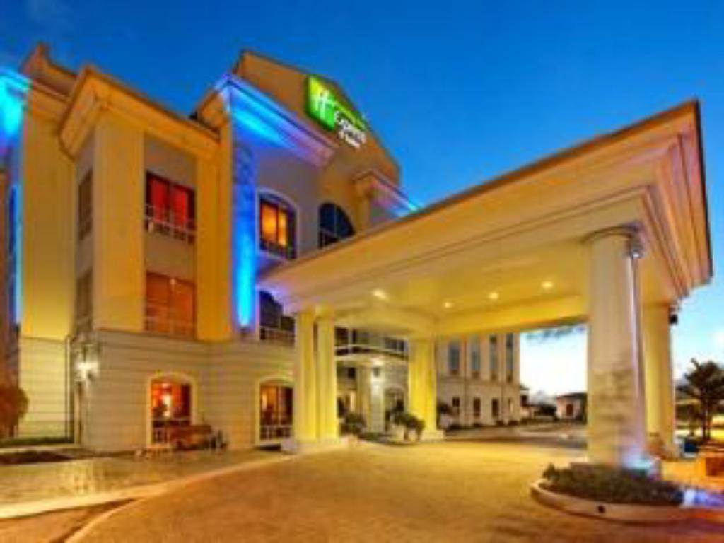 Hotellet indefra Holiday Inn Express Trincity