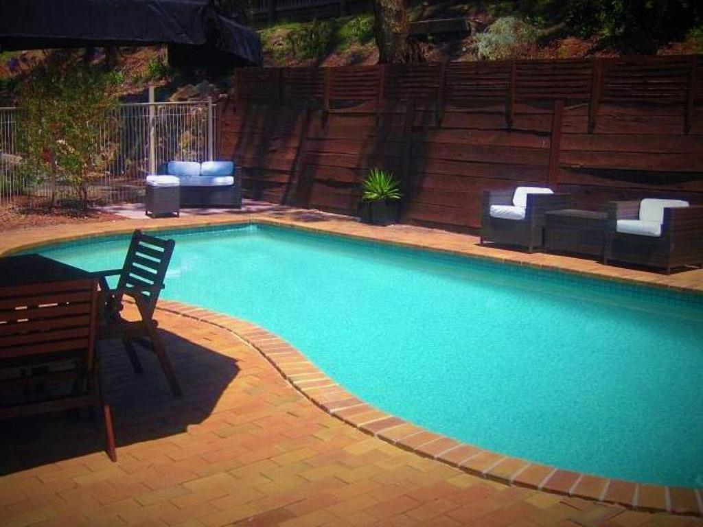 Best price on eltham motor inn in melbourne reviews for Swimming pools melbourne prices