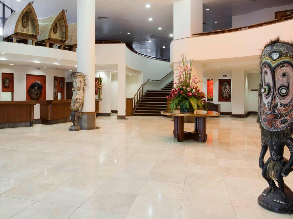 Lobby Crowne Plaza Port Moresby