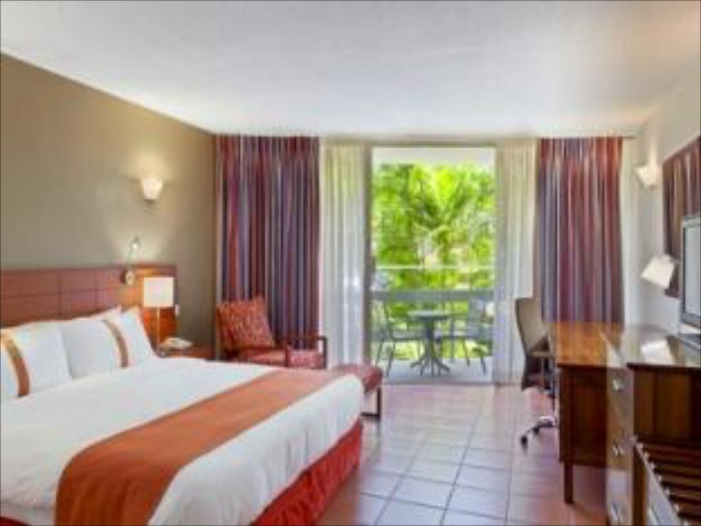 See all 25 photos Holiday Inn & Suites Port Moresby