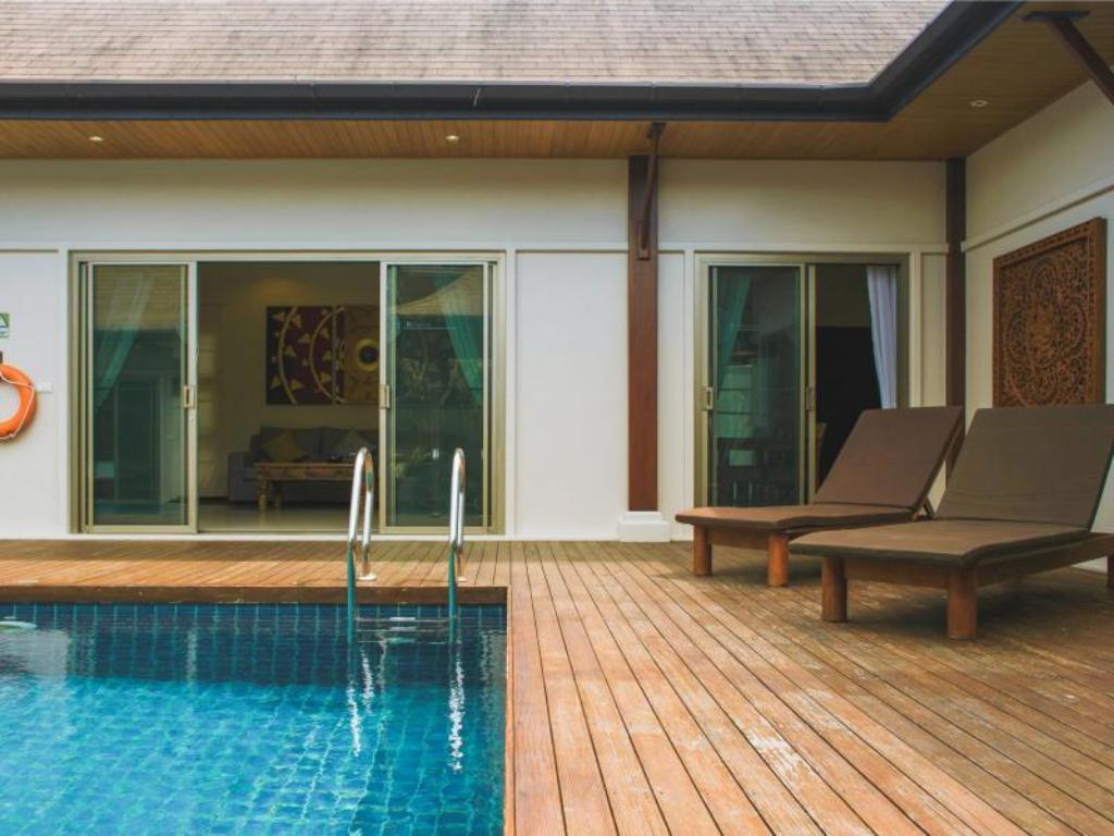 Pool Two Villas Holiday: Oriental Style Layan Beach