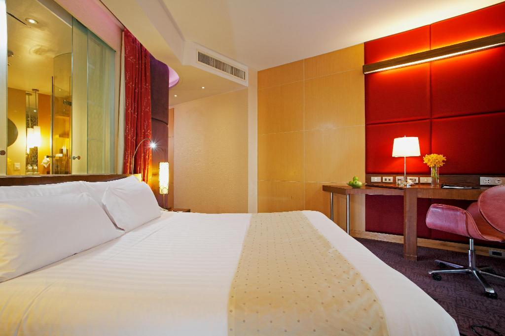 Kamar King Superior World - Ranjang Centara Grand at Central World Hotel