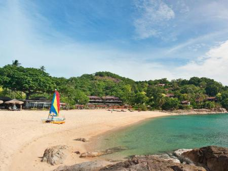 Beach The Tongsai Bay Hotel