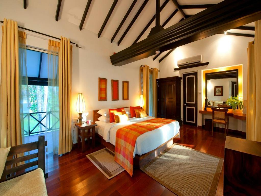 Deluxe Rooms - Guestroom Cinnamon Lodge Habarana