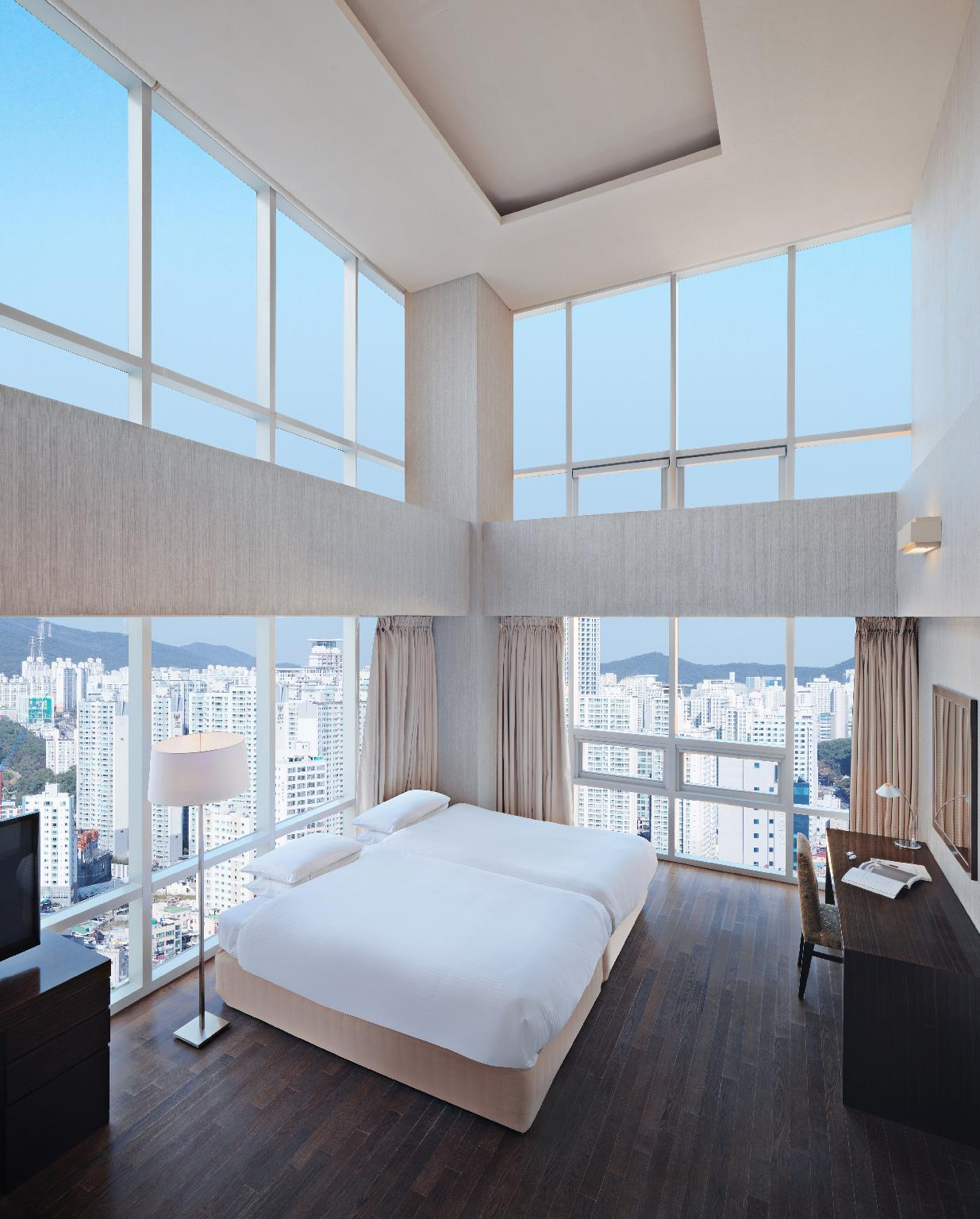 Superior Suite, 1 Bedroom Suite, City view