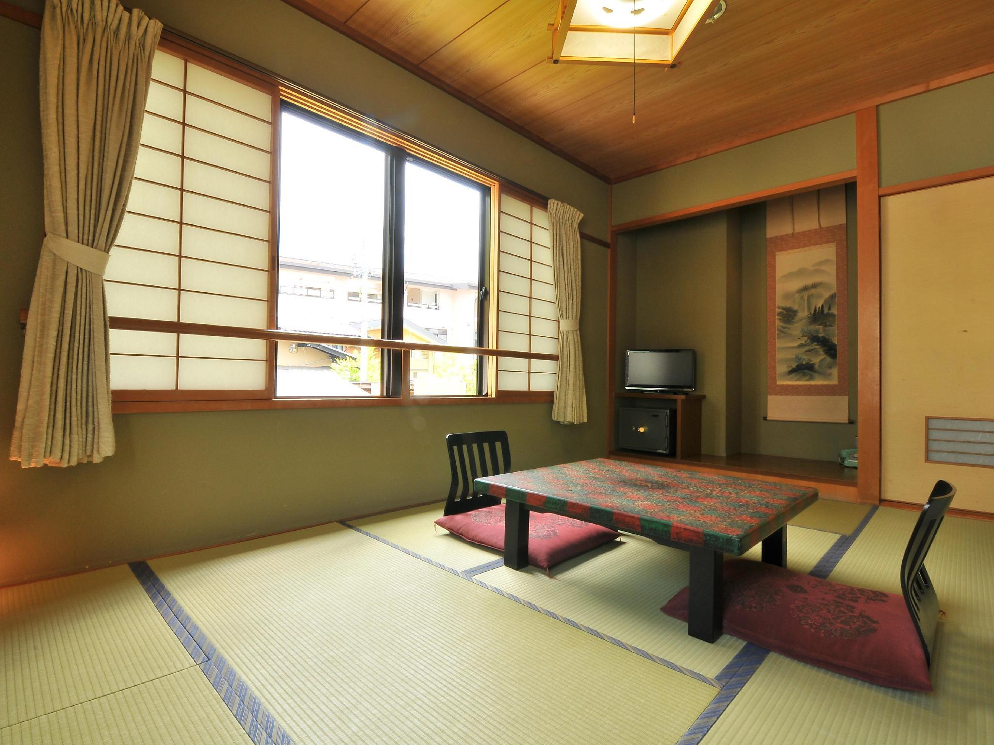 Japanese Style Room with 8 Tatami and Private Toilet