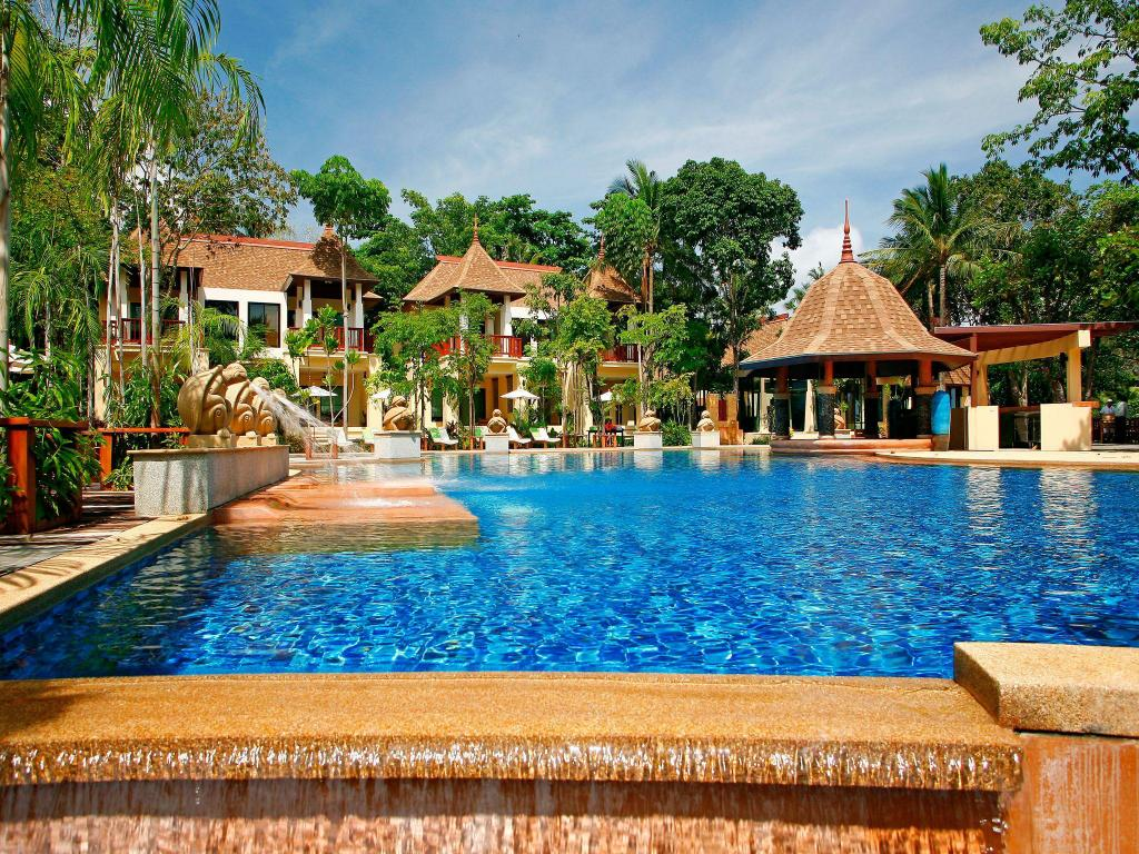 basen odkryty Crown Lanta Resort & Spa