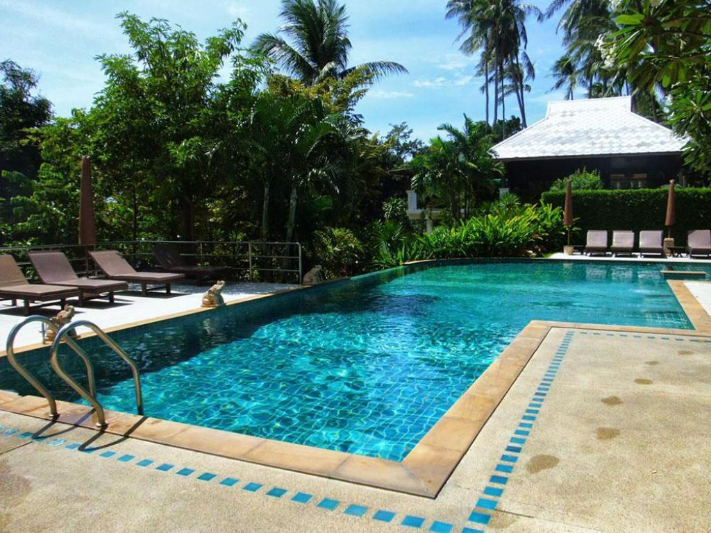 Swimming pool Lamai Buri Resort