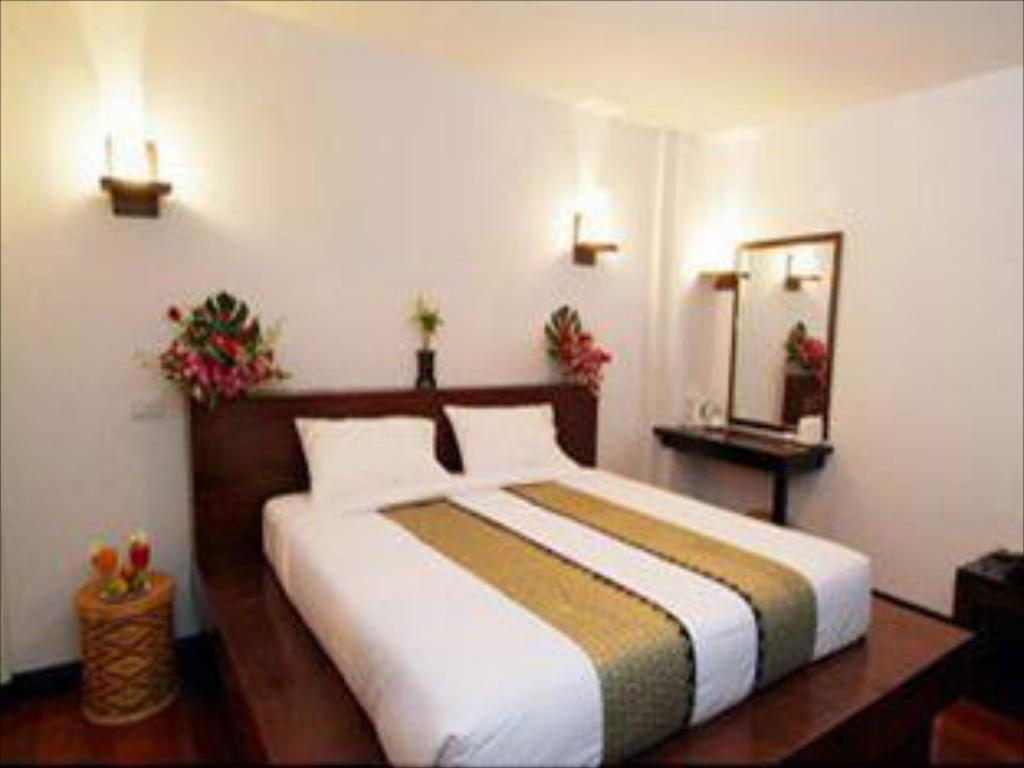 Superior Double Bed - Bed Phitarom Phi Phi Resort