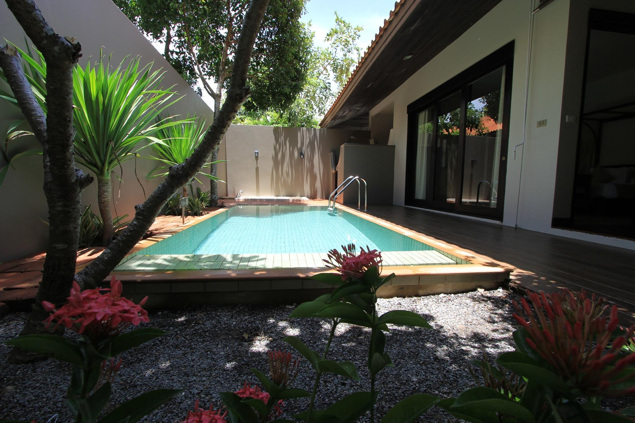 熱帶泳池別墅 (Tropical Pool Villa)