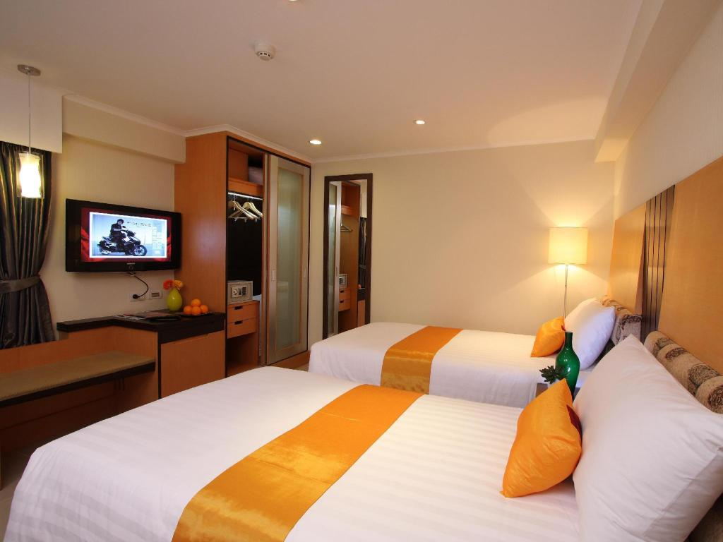 Superior Twin Bed Citin Pratunam Bangkok by Compass Hospitality