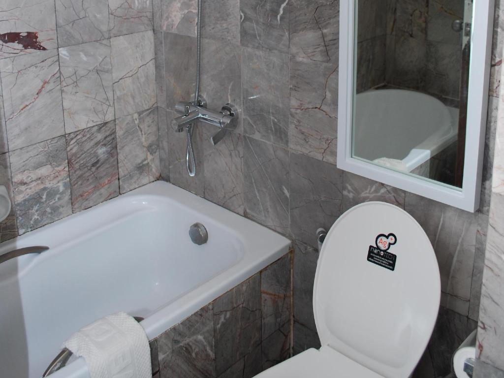 Bathroom Nakorn Phanom Riverview