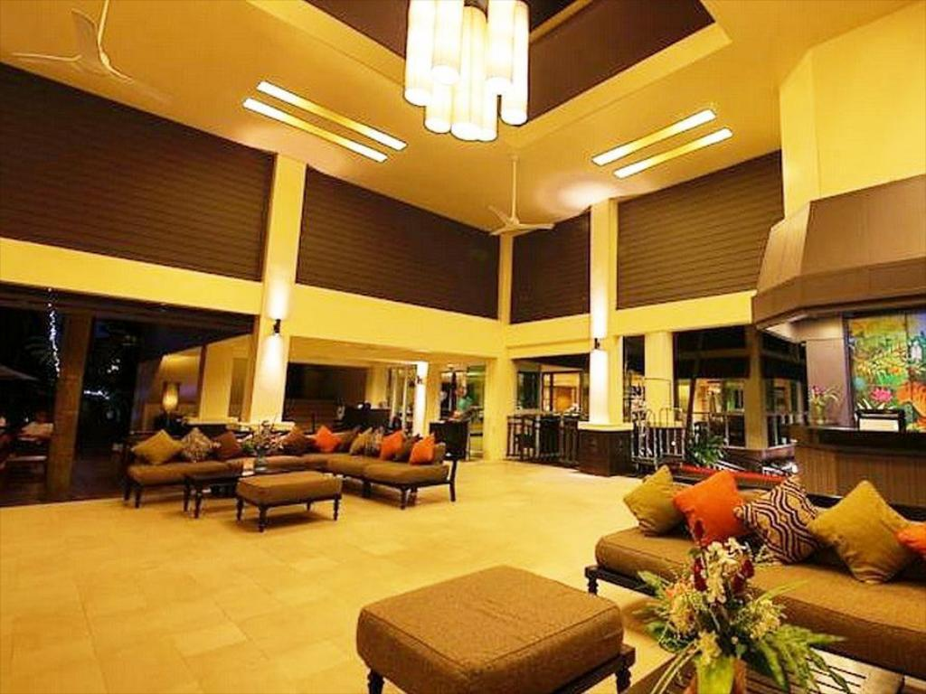 Lobby The Green Park Resort