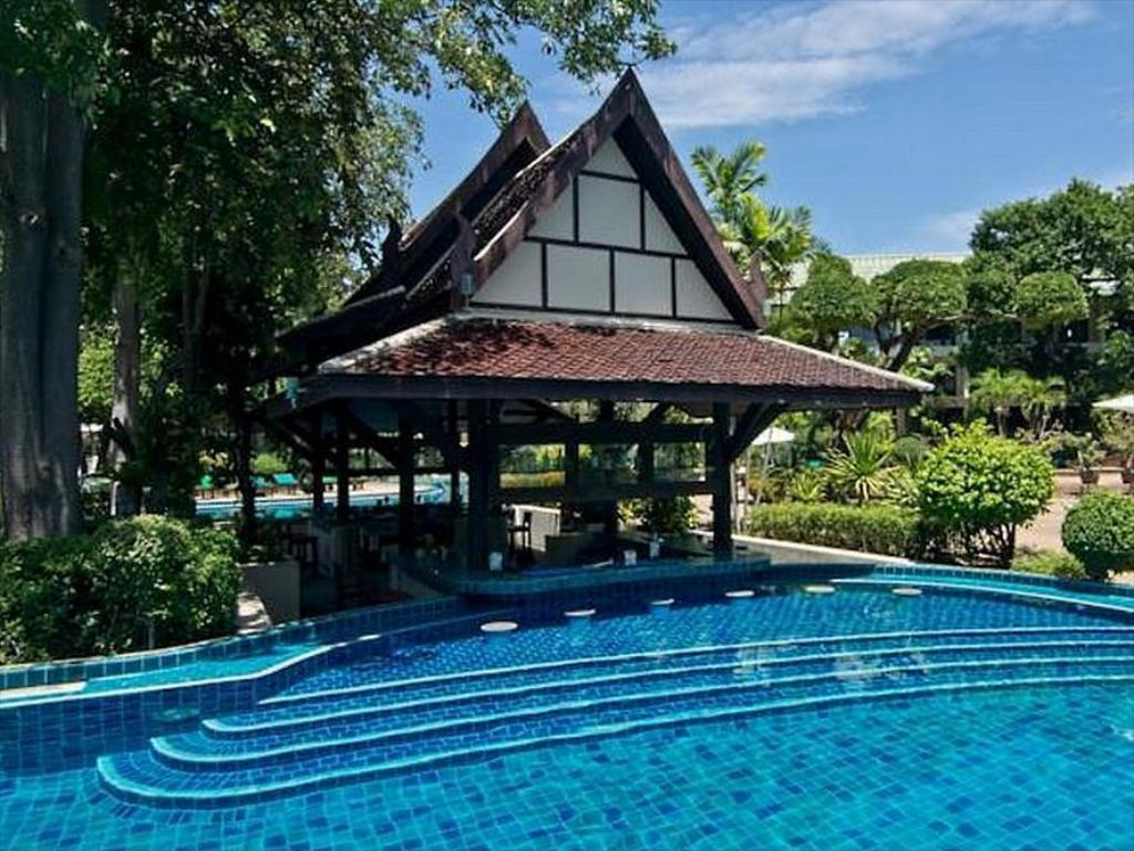 utomhuspool The Green Park Resort