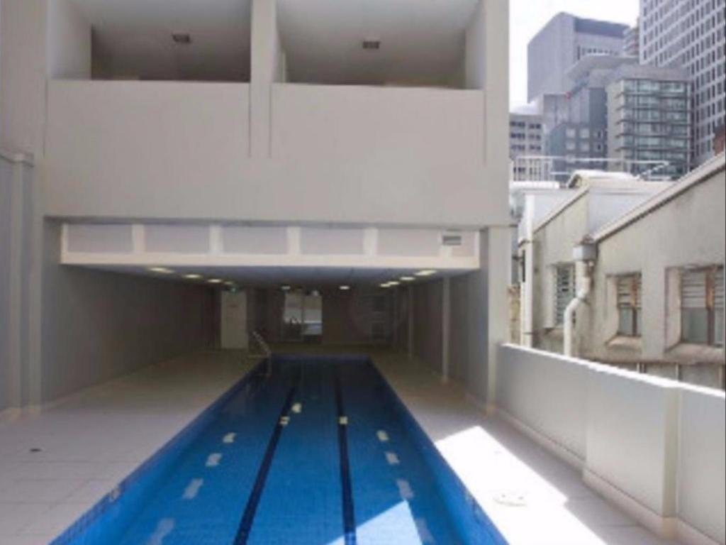 Pool APX World Square