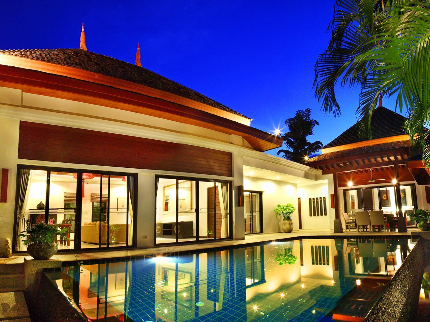 Family Pool Villa