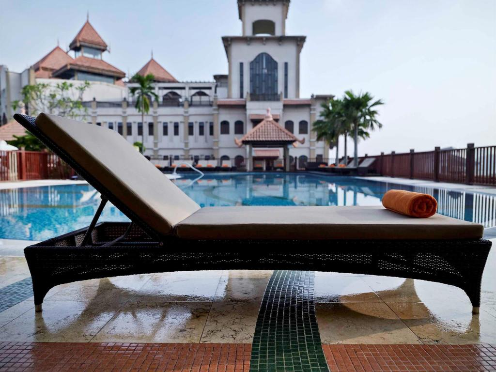 Best price on pullman putrajaya lakeside hotel in kuala - Pullman central park swimming pool ...