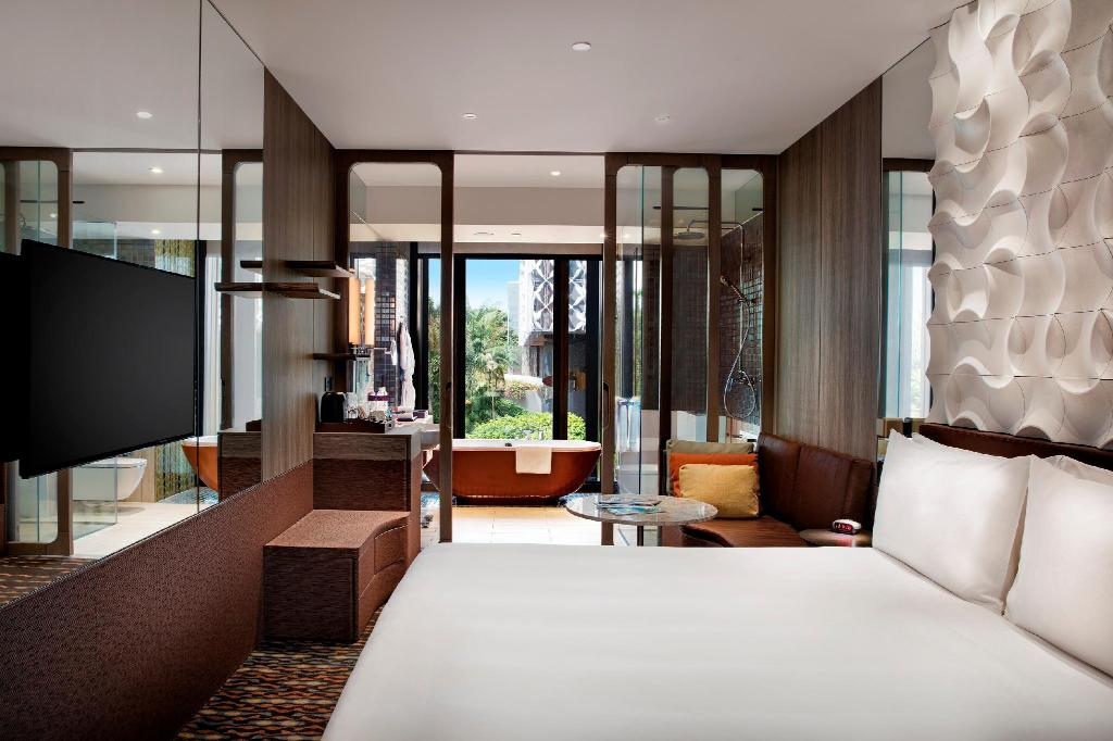 Crowne Plaza Changi Airport in Singapore - Room Deals